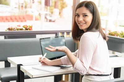 成人英语网上课程收费多少