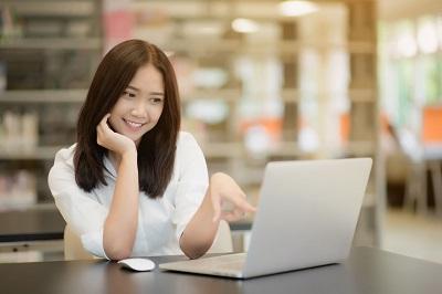 在线英语培训收费贵吗